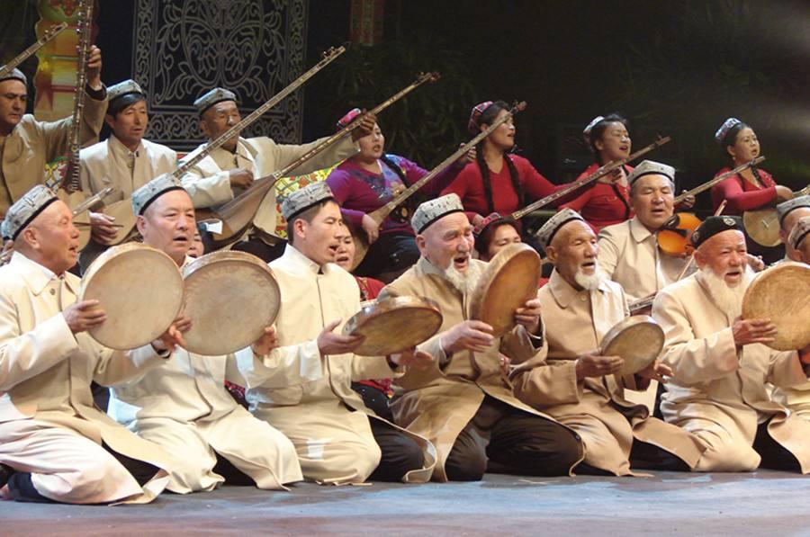 新疆巴音布魯克少數民族節日和風俗有什么?