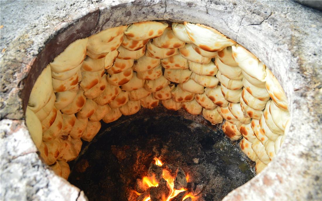 新疆巴音布魯克旅游美食攻略